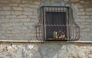 Grille de protection sur fenêtre